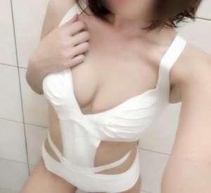 Mersin Beyaz renk ciltli Seksapel Nida